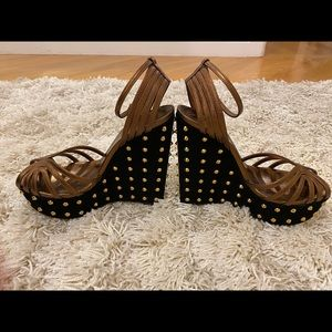 Gucci studded wedges sz 36.5